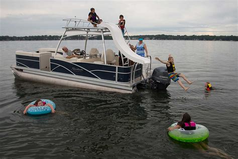 Boat Parties Near Me by Patio Pontoon Boats Bass Lake Boat Rentals