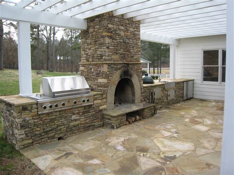 Outdoor Fireplaces : Outdoor Fireplaces And Pits