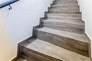 Treppen Fliesen Holzoptik : treppegestaltung mit designboden in holzoptik ~ Markanthonyermac.com Haus und Dekorationen