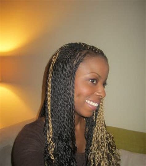 Coiffure Afro Vanille