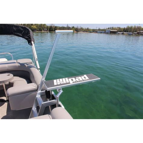 Best Pontoon Party Boats by Best 25 Pontoon Boating Ideas On Pinterest Pontoon Boat