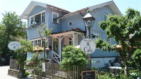 Das Blaue Haus Von Aussen  Bild Von Cafe Blaues Haus