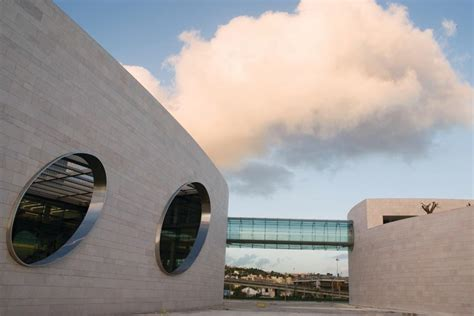 Champalimaud Centre For The Unknown Features A Glass