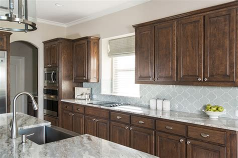 brown cabinets backsplash ideas