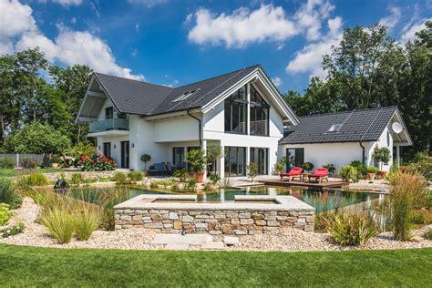 Das Perfekte Haus Mit Garten  Kreiseder Holzbau