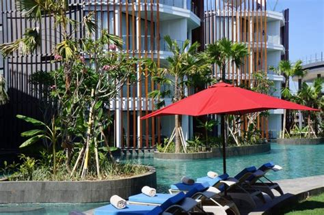 swim in swim out picture of le meridien bali jimbaran jimbaran tripadvisor