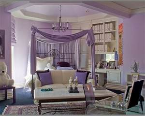 Lila Im Schlafzimmer : das lila schlafzimmer f llt gleich ins auge ~ Markanthonyermac.com Haus und Dekorationen