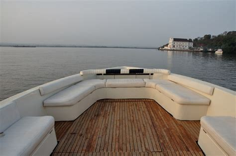 Motorboat In Hindi by Motorboat Cruise In Goa Sea Eagle Motorboat Khandya