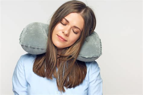 10 Best Travel Pillows For Long Flights (2018)