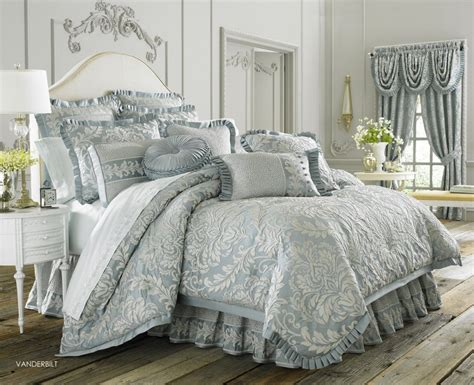 Classy Queen Bed With