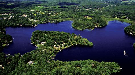 Lake Quannapowitt Boating by Fresh Water Lake Or Pond Northshore Magazine
