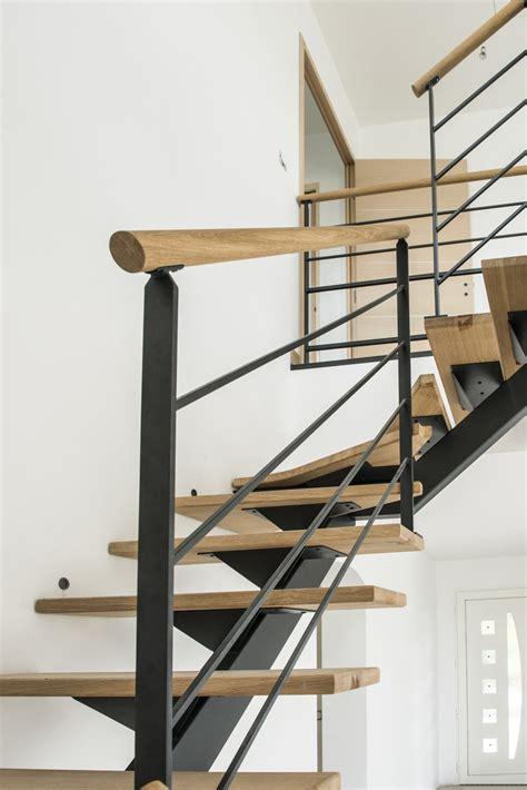 re d escalier en acier ral noir et courante bois divinox