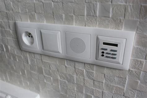 salle d eau blanc noir porcelanosa sadeco le sp 233 cialiste en cuisines et salles de bain