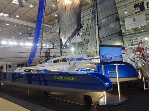 Trimaran English by Dragonfly 28 Trimaran