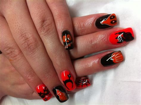 Nail Design : Halloween Nail Art Designs