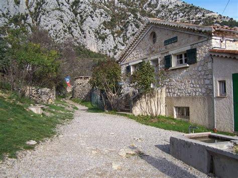 sentier martel hiking in verdon gorge
