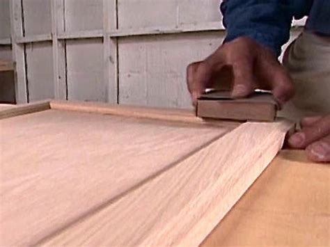 How To Reface And Refinish Kitchen Cabinets  Howtos Diy