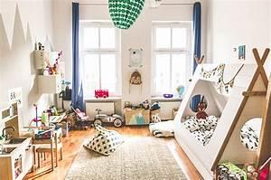 Tisch Und Stühle Für Kinderzimmer : unser erstes kinderzimmer so ist es geworden glowbus ~ Markanthonyermac.com Haus und Dekorationen