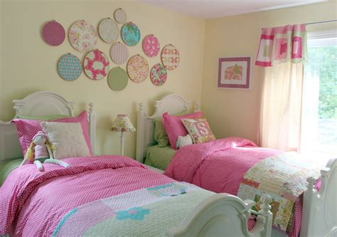 Developing Ideas For Decorating A Girl's Bedroom Home