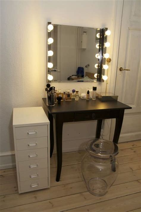 25 best ideas about cheap makeup vanity on cheap vanities cheap makeup