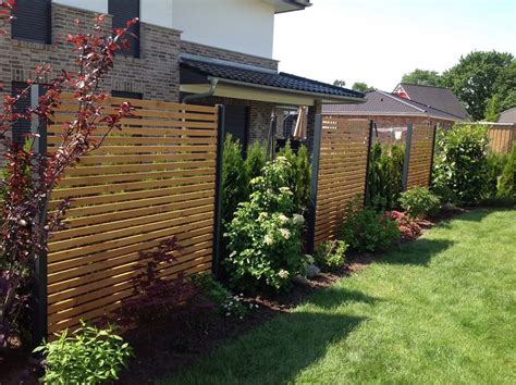 Design Sichtschutz Halbdurchlässig Aus Metall Holz