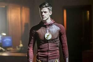 'The Flash' Star Grant Gustin Reminds Us Body-Shaming Men ...