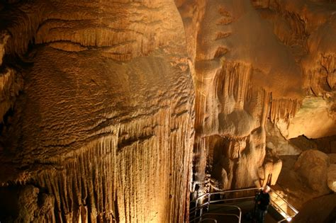Massive Mammoth Cave National Park In Kentucky, Usa