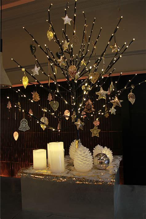 decoration vitrine de noel fleuriste
