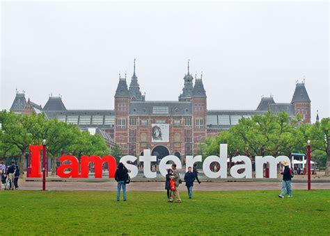 Museum Plein Amsterdam Parking by Holenderska Rodzina Kr 243 Lewska Niedziela Z Holandią