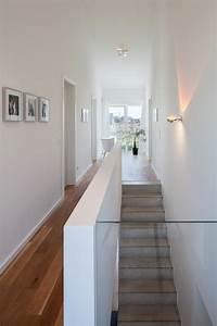 Wandgestaltung Treppenhaus Einfamilienhaus : die besten 17 ideen zu treppen auf pinterest treppe wandfarben und galeriewand treppe ~ Markanthonyermac.com Haus und Dekorationen