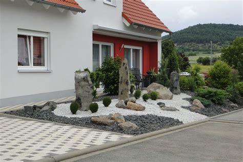 + Modern Front Yard Design Ideas