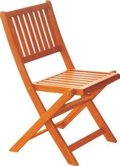this comfortable c chair is easy to set up and packs