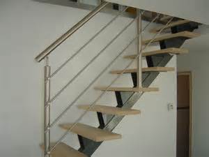 escaliers limon central acier metal design 224 capelle la grande