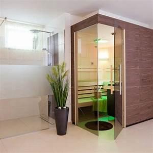 Sauna Zu Hause : sauna mit thera med infrarotstrahler im fitnessraum im keller integriert die angrenzende dusche ~ Markanthonyermac.com Haus und Dekorationen