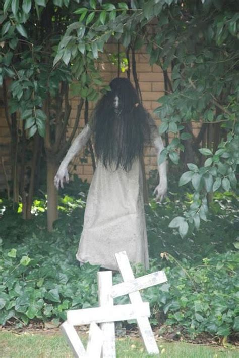 best 25 scary decorations ideas on spooky decorations scary