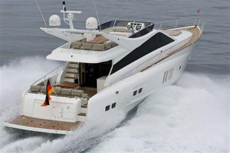 Motorboot Mit Jetantrieb by Mazarin 72 Mieten Viareggio Italien Yacht Charter