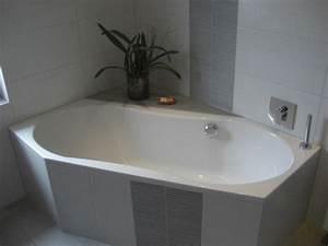 Eckbadewanne Fliesen Bilder : badewanne einfliesen genie en sie die sch nen vorschl ge ~ Markanthonyermac.com Haus und Dekorationen