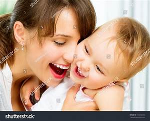mom and baby images - usseek.com