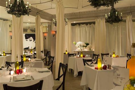 la maison de restaurants et bars le majestic cannes h 244 tels barri 232 re