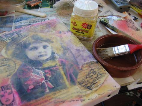 transfert d image medium sur toile avec gel acrylique pour mixed media