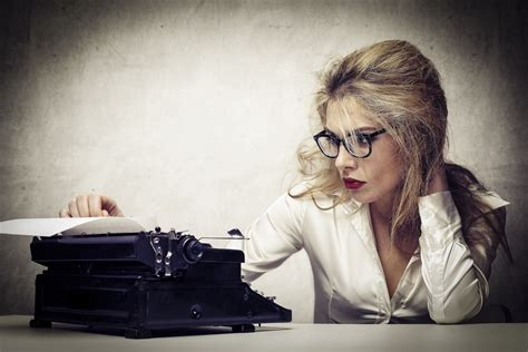 Woman Writer At Work  Best Thriller Books And Thriller Book Reviews