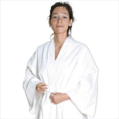 jetable pour la salle de bain peignoir serviette chausson gant