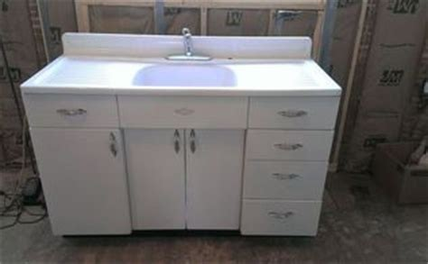 Refinish Youngstown Kitchen Sink by How To Remove Water Stains From A Porcelain Sink