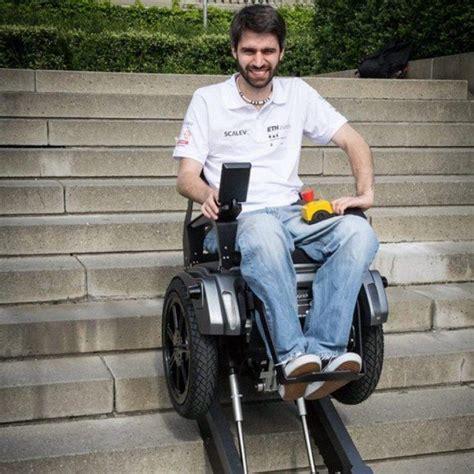 les 25 meilleures id 233 es concernant fauteuil roulant sur salle de bains pour