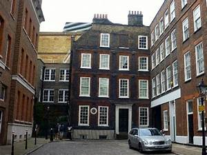 The Garret. - Picture of Dr. Johnson's House, London ...