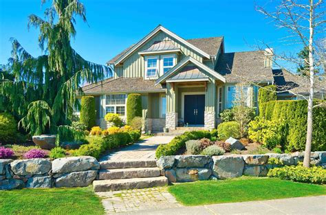 Curb Appeal : Easy Tricks To Improve Your Home's Curb Appeal