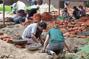 Volunteer Building in Nepal for Teens | Projects Abroad