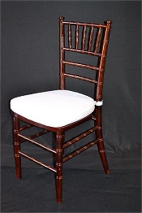 mahogany resin chiavari chair with ivory cushion