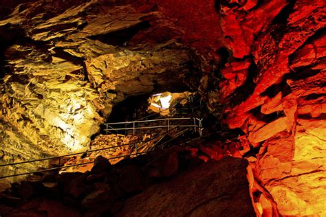 Caving Spelunking Mammoth Cave National Park Kentucky Usa