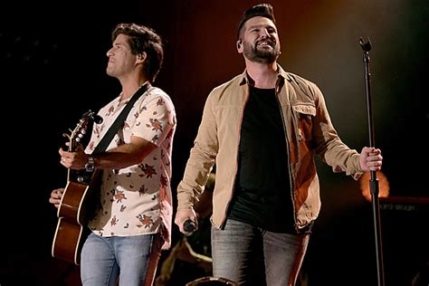 Dan + Shay Show Off Harmonies In Vocals-only 'speechless